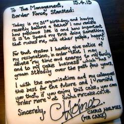 Таможенник из Британии написал оригинальное заявление об увольнении