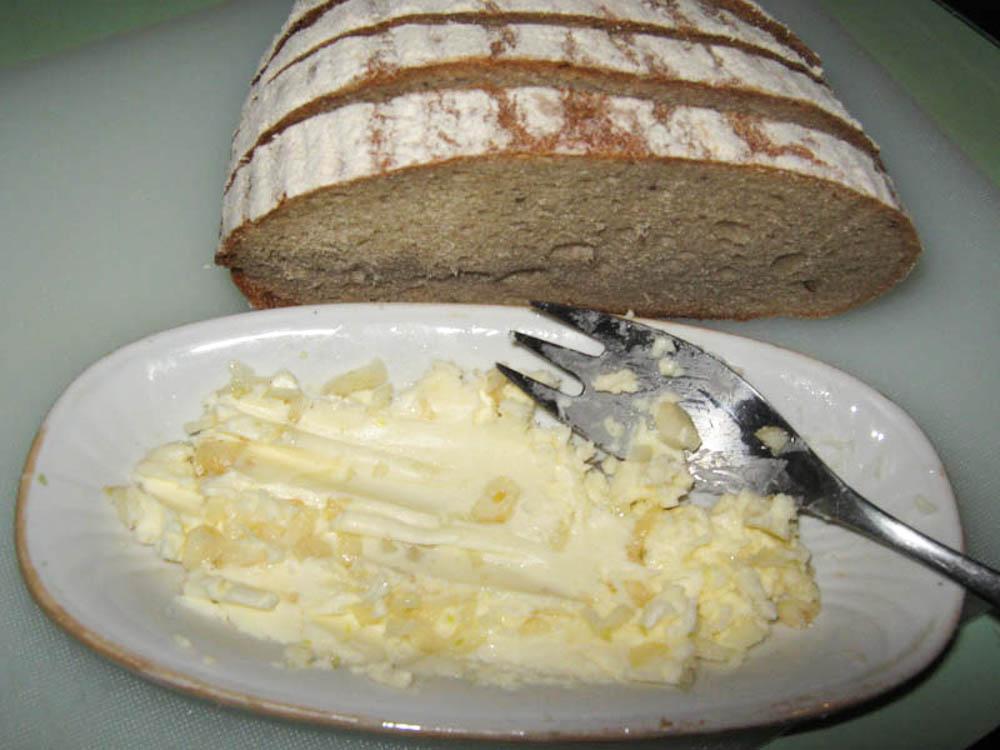 hleb-vmesto-chesnochnoy-pampushki-IMG_1843