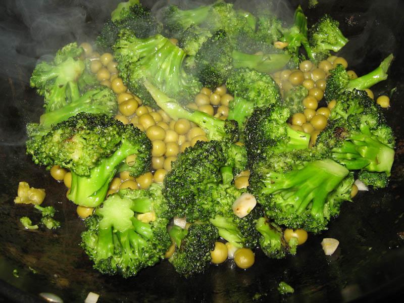 omlet-s-brokkoli-i-goroshkom-IMG_0369
