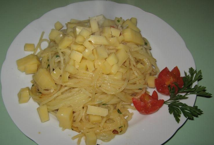 spagetti-s-pomidorami-cherri-i-syirom-IMG_1516