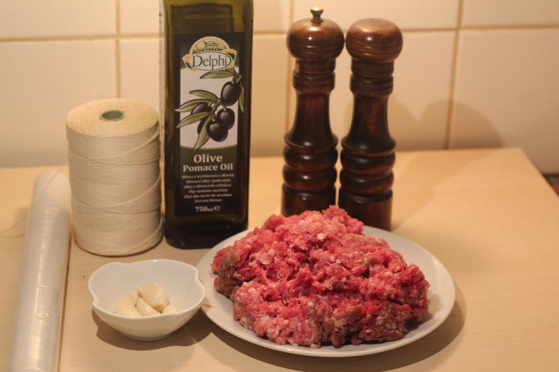 domashnie-chesnochnyie-kolbaski-IMG_2303