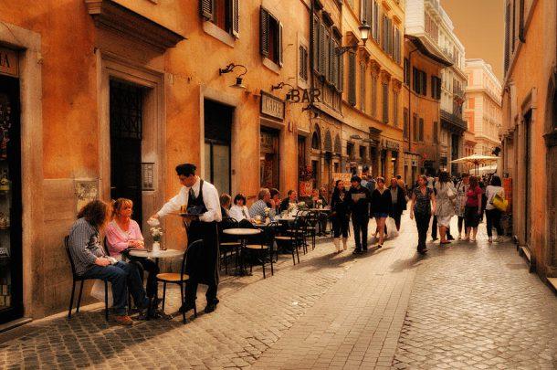 уличная еда италии цена