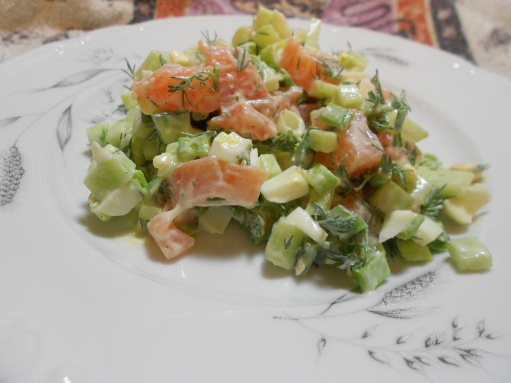 salat-s-semgoj-i-ogurtsom-1024x768