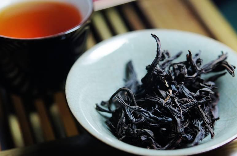 Черный чай: полезный или вредный?