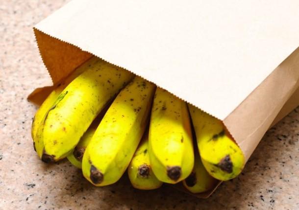 Неспелые бананы можно отправить в духовку для созревания
