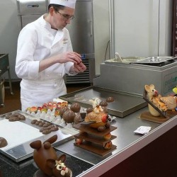 Как повару устроиться на работу в элитные заведения Питера