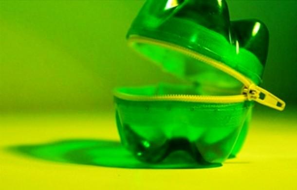 Упаковка для специй из пластиковых бутылок