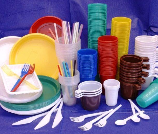 Как выбрать безопасную пластиковую посуду