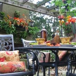 Праздничный стол на даче