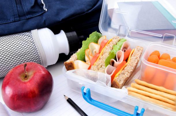 Еда в дорогу на машине летом: что брать с собой в путь?