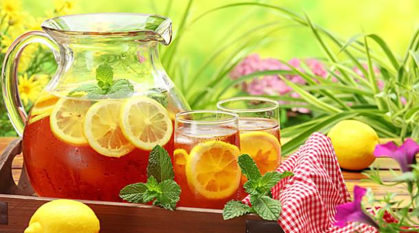 Холодный чай помогает утолить жажду
