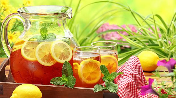 Если в зеленый чай не добавлять сахар, калорий в нем нет