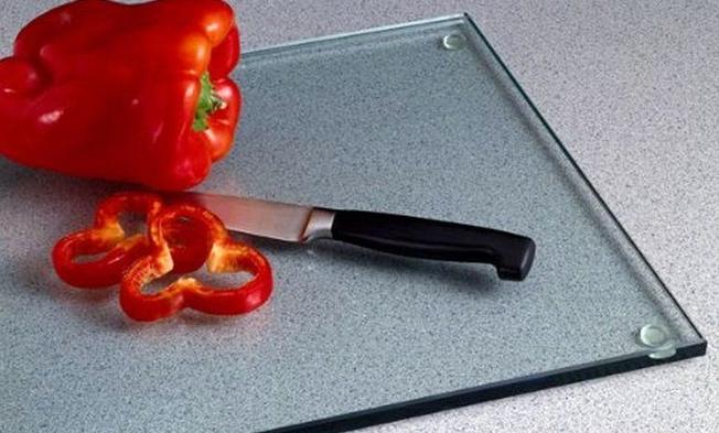 Как правильно выбрать разделочную доску для кухни? Стеклянные доски