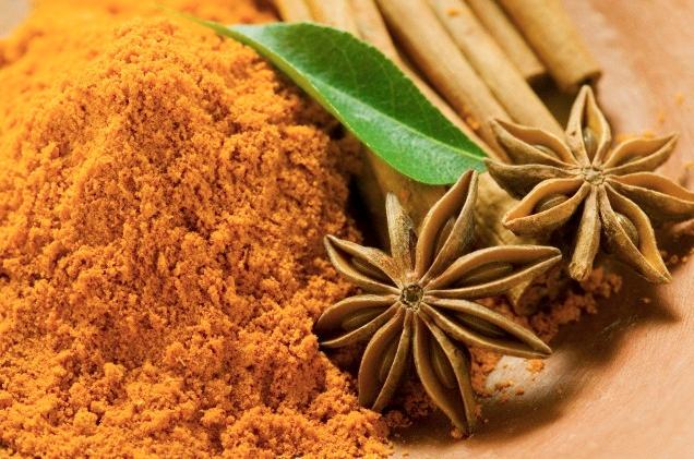 Ка́рри (от тамильского kari) — смесь пряностей