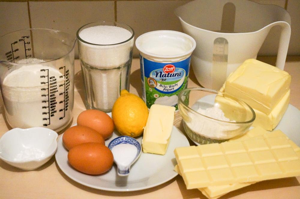 biskvitnyiy-tort-iz-yogurta-01