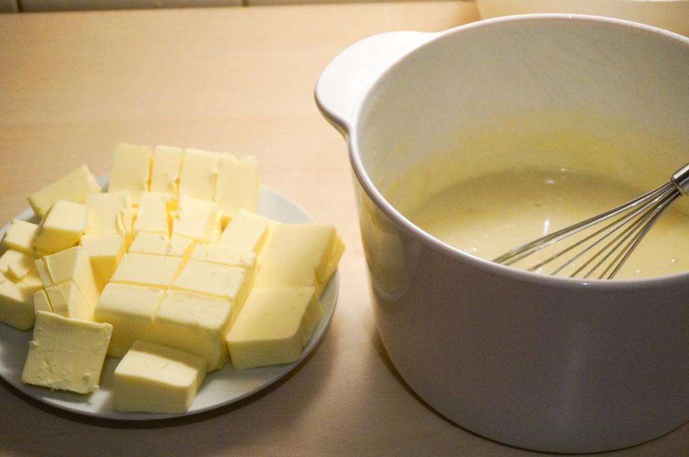 biskvitnyiy-tort-iz-yogurta-04