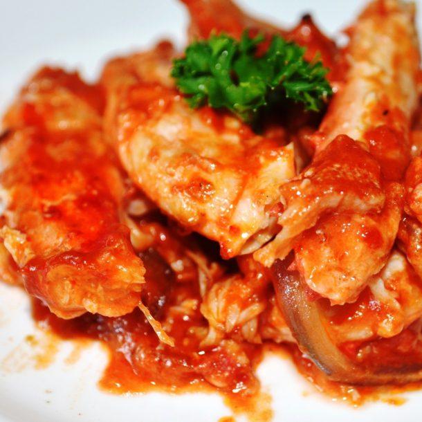 Курочка в сметанно-чесночном соусе – кулинарный рецепт
