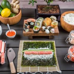 Как правильно есть суши и ролы?