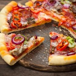 Поговорим о пицце: история, рецепт, начинки