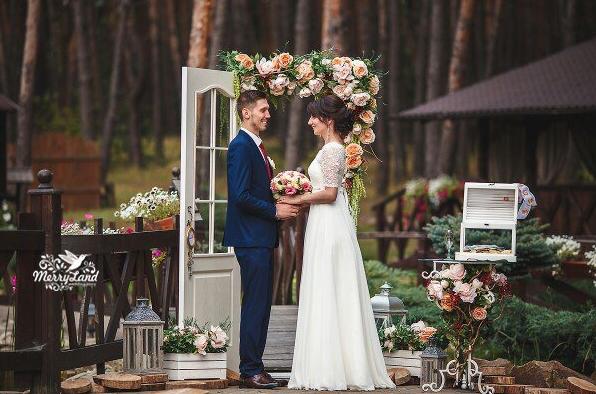 sekretyi-uspeshnoy-svadebnoy-klyatvyi