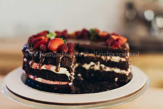рецепт торта с клубникой и творожным кремом