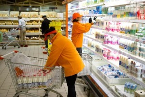Обращение со стороны Смольного к ритейлерам: снизьте цены на хлеб и молоко!