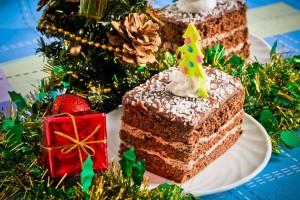 Базовые продукты, используемые для новогоднего торта