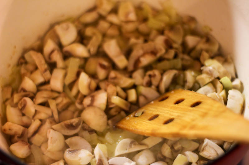 Вафельные трубочки рецепт в вафельнице со сгущенкой рецепт с фото пошагово