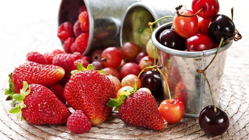 Самые полезные плоды и ягоды - Клубника, Вишня